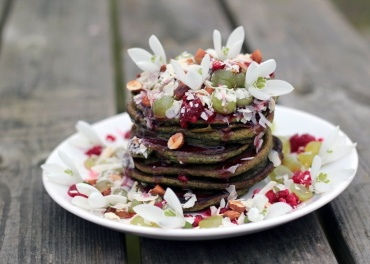 Cheers to Giedre & to her awesome Vegan Matcha Pancakes!