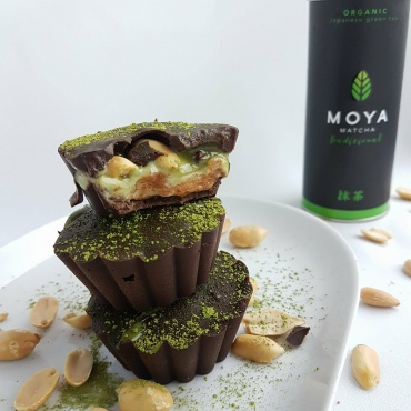 Chocolate Cups with Matcha filling